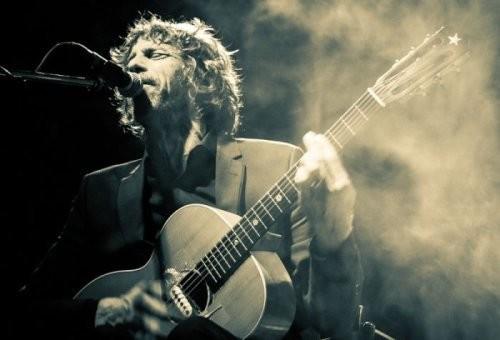 JUSTIN LAVASH, britský kytarista a písničkář