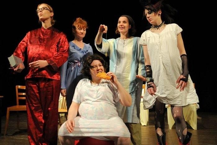 Naštěkaná aneb Čtyři ženy v maloměstě, Divadelní spolek Nakafráno
