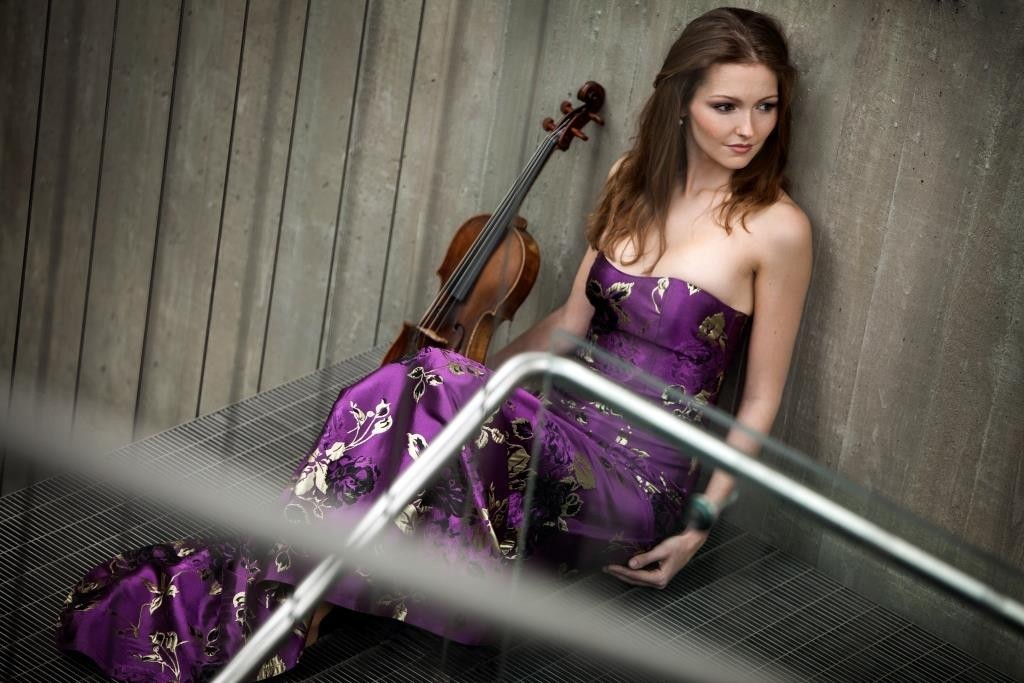 KRISTINA FIALOVÁ - viola, 5. abonentní koncert 59. sezony komorní hudby